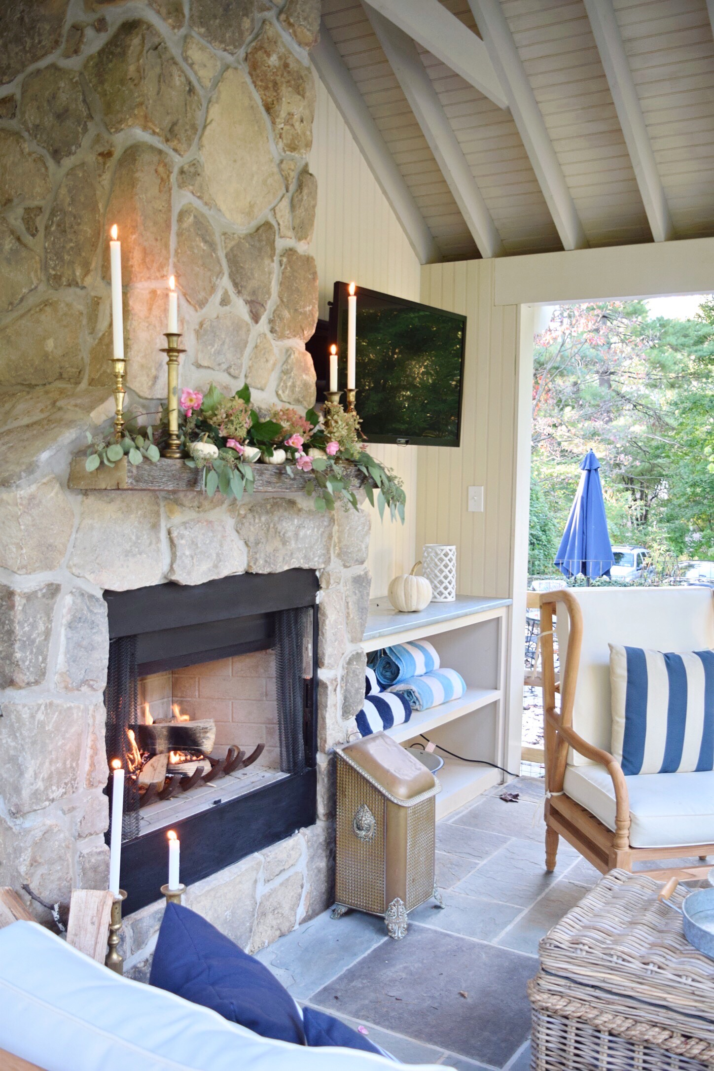 outdoor tv in pool house